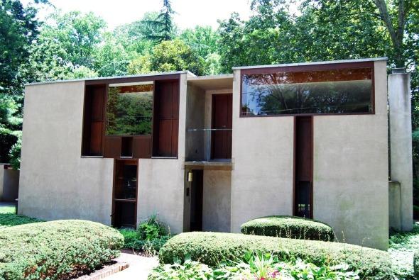 Louis Kahn cumple 112 años